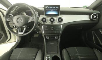 Mercedes-Benz GLA 250 4M full