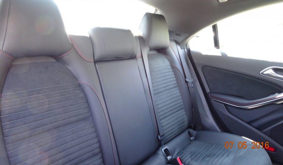 MERCEDES-BENZ CLA 200 d Coupe full